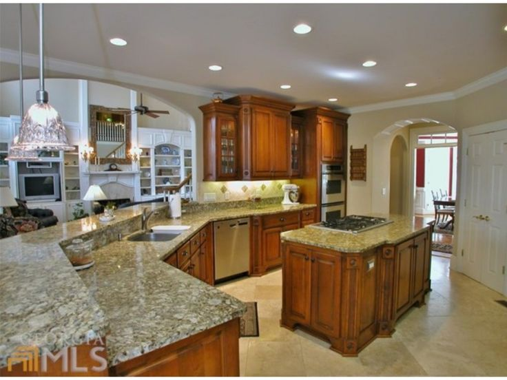 25 Best Ideas About Lake House Kitchens On Pinterest Cabin Doors Open Floor House Plans And