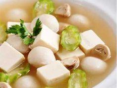 Sup Tahu - Disini ada aneka cara membuat video resep sup tahu sutra jamur tomat kuah bening bakso udang telur korea ala sajian sedap hokben paling pedas serta gurih.