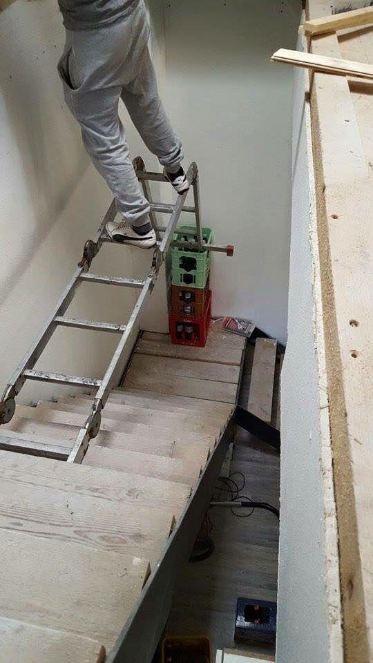 Und dem neuen Kelleraufgang. | 27 Bauarbeiter, die ihrer Krankenschwester nur ein Foto zeigen müssen
