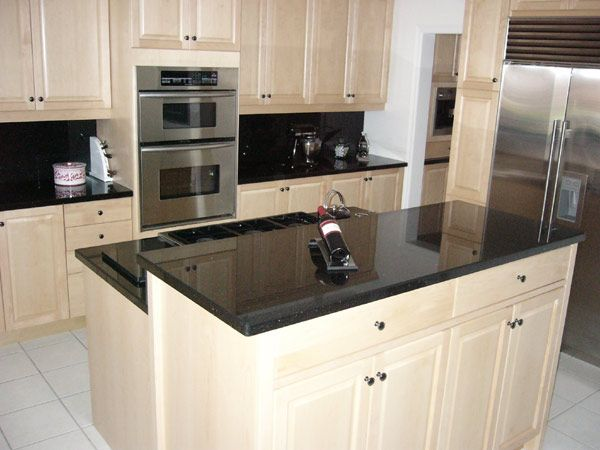 White or cream cabinets black countertops kitchen - Black granite countertops with cream cabinets ...