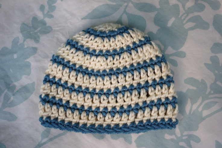 I like the style of this beanie and it looks simple for a begginer like me :)
