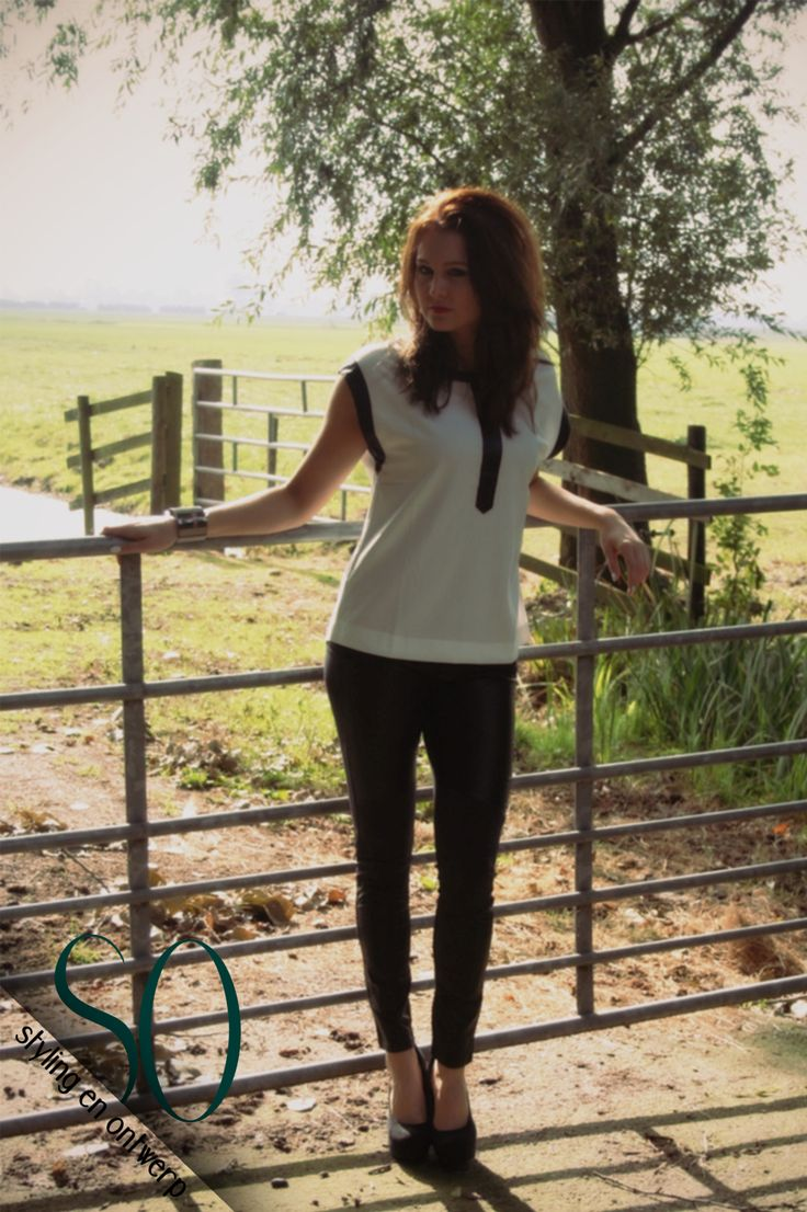 FOTOSHOOT FASHION- SAMENWERKING MET CARPE DIEM FASHION AND MORE #Fashion #Mode #fashionista #buy #online #Facebook #clothes #accessoires #herfst #autumn #farm #boerderij #natuur #nature #shoot #fashion #shirts #broek #high #heels
