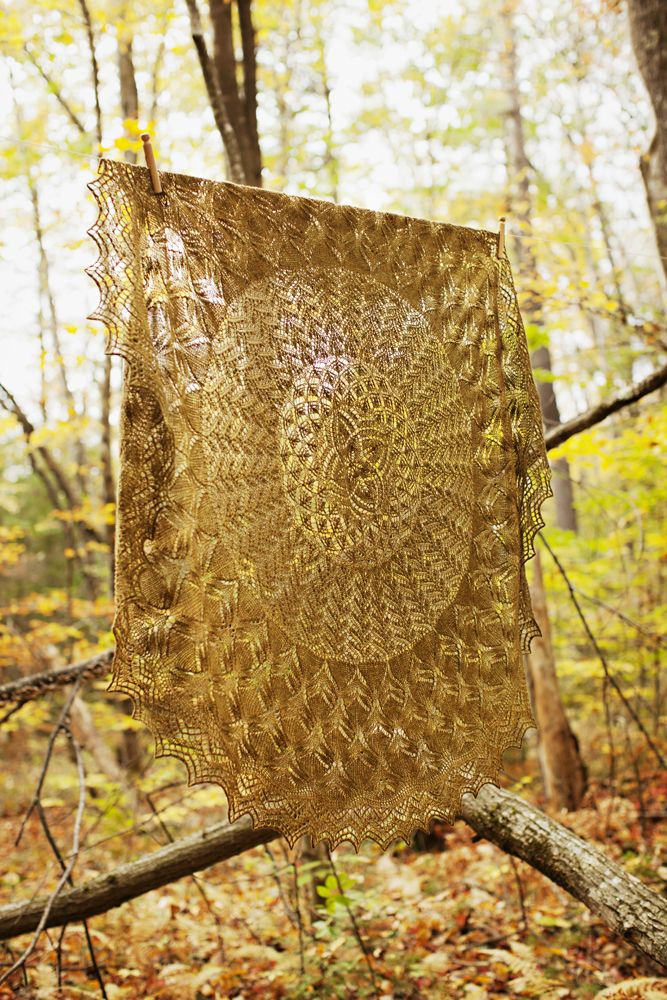 Brooklyn Tweed - Leaves of Grass. 5ft diameter knitted lace shawl! Perfect for autumn days!