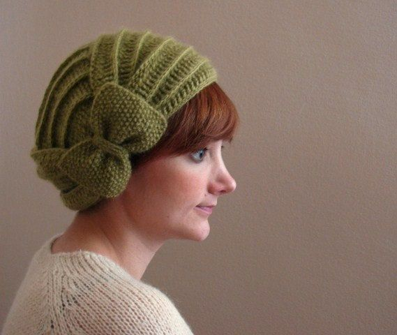 Light Green Crochet Beret with Bow by KokoshKnitting on Etsy