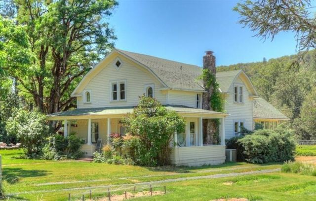 7 of the most beautiful historical homes for sale in the for Pnw home builders