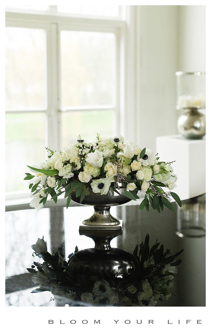 center piece with anemone, roses, spray rose, tulip, eucalypthus   photographer: Alexandra Vonk  floral design: Bloom Your Life  venue: het Heerenhuys