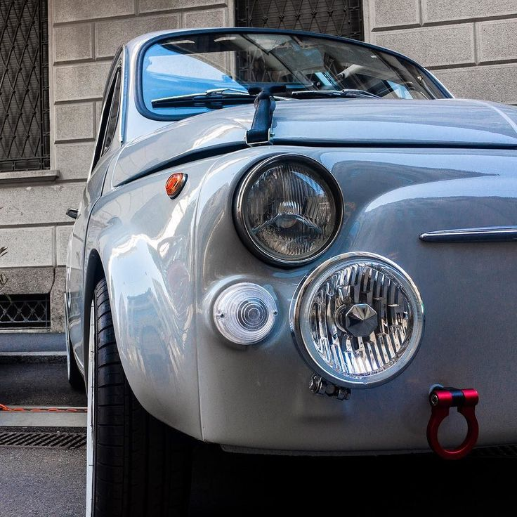 il mito della 500 continua anche nell'era delle auto elettriche... @offruggenti  #officineruggenti #electriccar #lifestyle #LaDolceVita . . . . . #igersitalia #igerslombardia #igersmilano #milan #ig_italy #ig_italia #ig_milan #milanodavedere #travel #city #citylife #travelingram #urban #instagood #travelgram #instatravel #photooftheday #traveling #travelling #streetphotography #tech #green