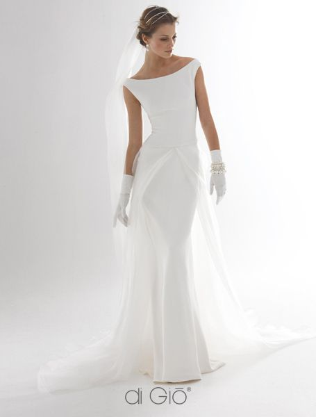 Beautiful off the shoulder wedding dress from Le Spose Di Gio, with interesting waist detail.