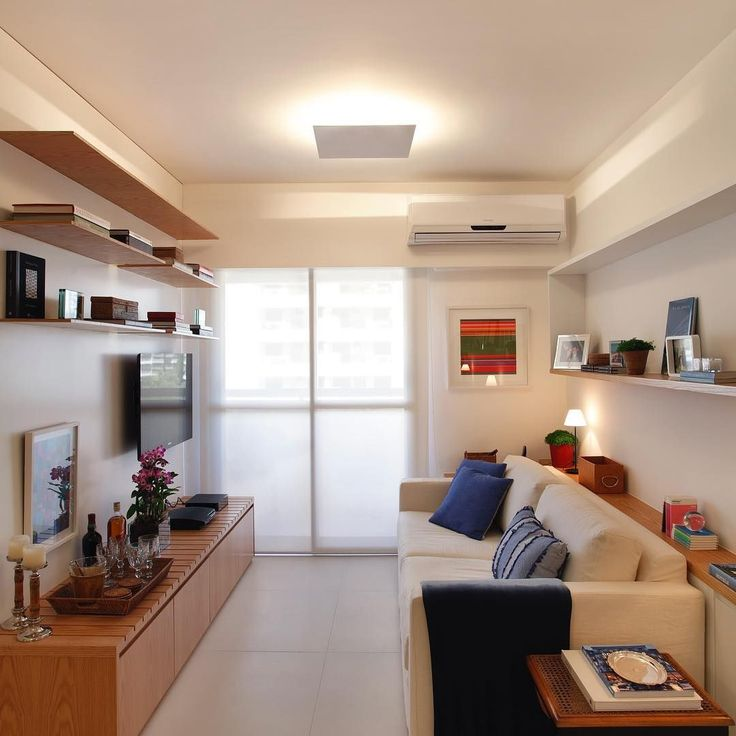 Confira dicas da profissional, aprenda dicas para escolher a luminária perfeita para sala de tamanho reduzidos e inspire-se com lindos ambientes decorados.
