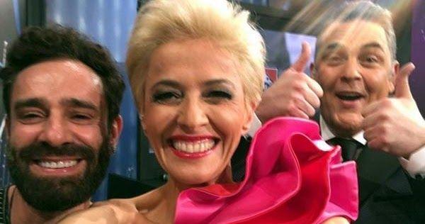 Eurovision 2017: Τι απαντά η δημοσιογράφος της ΕΡΤ για το φόρεμα