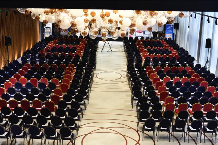 Conferinta la Terra Events Hall