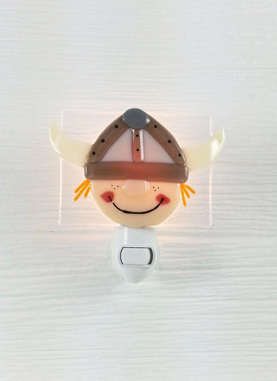 Veilleuse viking verre fusion bébé décoration par VeilleSurToi, $42.00 --- ***EVA this is fused glass *cough cough* ;)