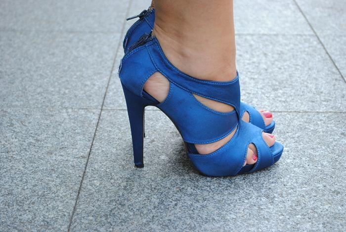 www.fashion-board.blogspot.com royal blue shoes