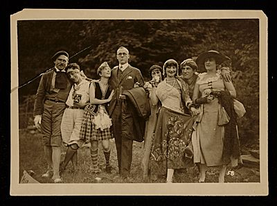 Citation: Actors and participants in the Maverick Festival, ca. 1928 / unidentified photographer. Konrad and Florence Ballin Cramer papers, Archives of American Art, Smithsonian Institution.