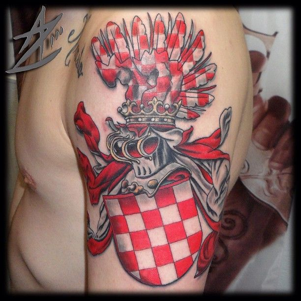 25 best ideas about family crest tattoo on pinterest tribal lion tattoo crest tattoo and crests. Black Bedroom Furniture Sets. Home Design Ideas