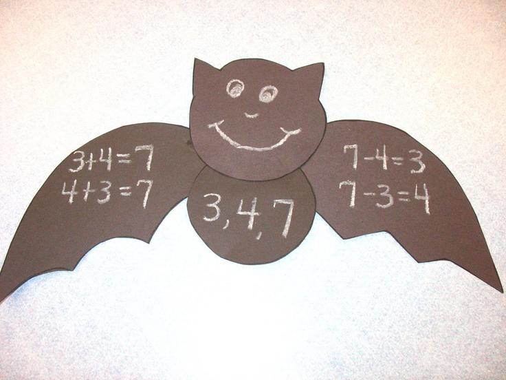 Halloween fact families. FREE math time fun!