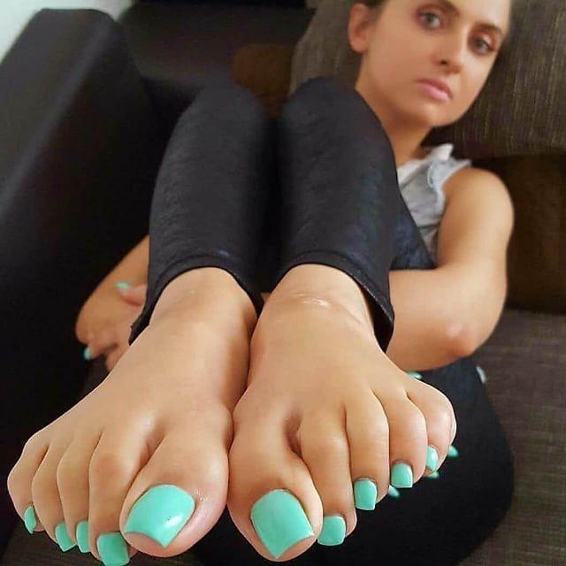 Sexiest girl toes ukrainian