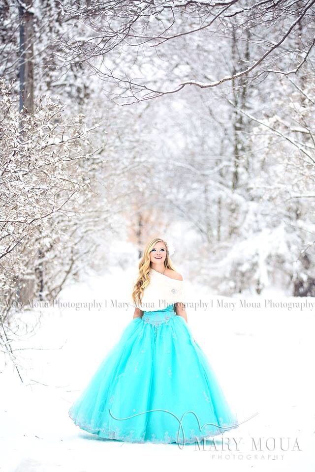 Mary Moua Photography | High School Senior Photographer   Elsa inspired. Winter shoot.