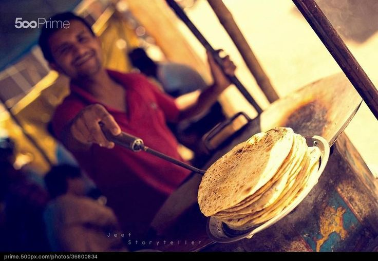Roti Photo aur Muskaan :) by Jeet Storyteller | 500px Prime