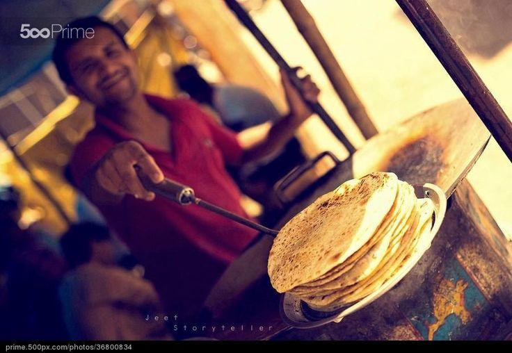 Roti Photo aur Muskaan :) by Jeet Storyteller | 500px Prime