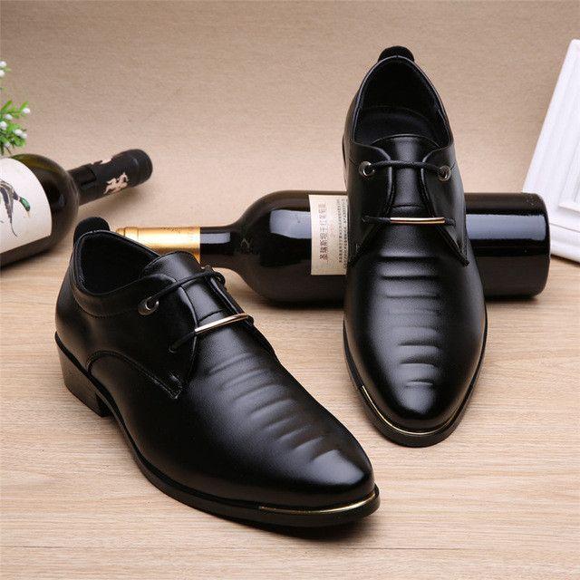Hot Sale New Oxford Shoes for Men Fashion Men Lace Up Shoes Spring Autumn Men Casual Flat Patent PU Leather Men Shoes