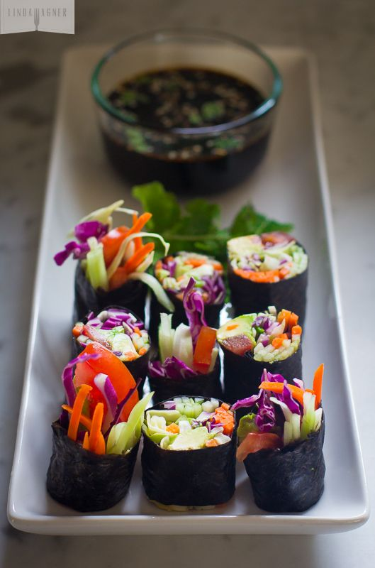 Rainbow Roll: a great way to boost your raw veggie intake (raw, vegan).