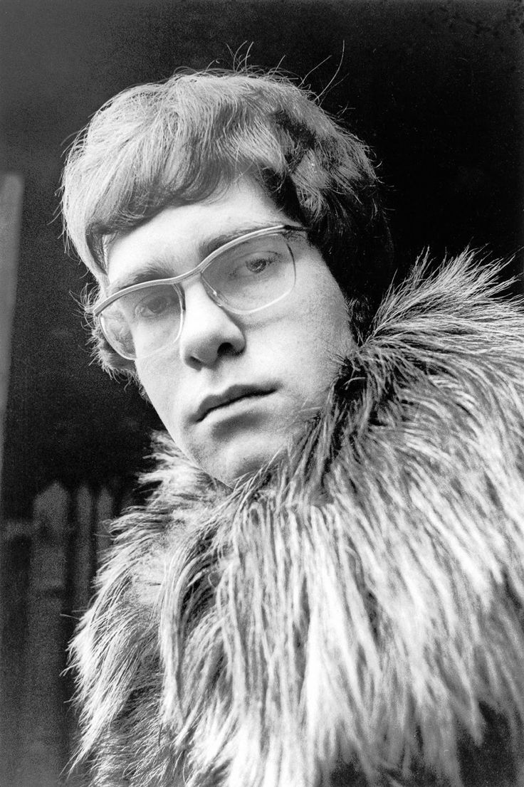 vintage everyday: Elton John's First Photo Shoot in 1968 – The Moment Reginald Dwight Became Elton John
