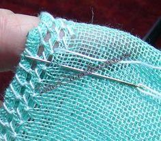 Eccoci al secondo post sul Deruta sfilato. Il primo post sui materiali lo trovate qui . Munitevi quindi del tessuto e del filo n° 12 oltre a...