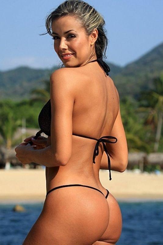 Belle Lucia stuns Bronte beach with Gstring bikini shoot