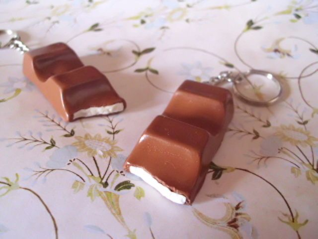 Handyanhänger - Schokoriegel für den Schlüssel & Co. - ein Designerstück von sweet-as-honey bei DaWanda
