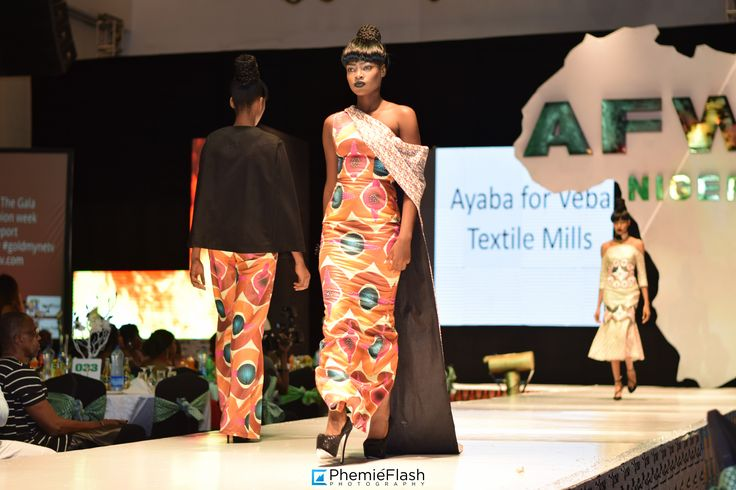 Ayaba for Veba - Showcase at the AFWN 2016, collection of African prints Cosmos.