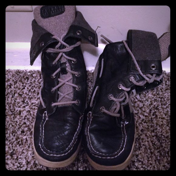 Sperry high tops, size 6m Sperry high tops size 6m, hardly worn. Leather. Dillards Shoes Lace Up Boots