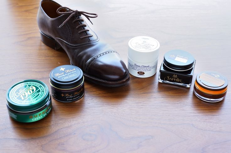 革靴クリーム比較の第2弾! M.モウブレィ、コロンブス、サフィールノワールなど、有名シューケアブランドのダークブラウンカラーを比べてみました。服飾ジャーナリスト・飯野高広さんのマニアックな比較解説、今回も読み応えありです。