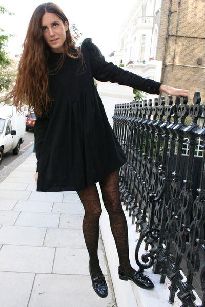<< Gala Gonzalez ladylike black >>