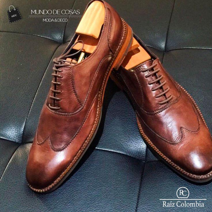 Calzado inspirado en las líneas de la caña de azúcar, volviendo un modelo Oxford en un zapato muy sencillo y elegante, el cual está pintado a mano por artesanos,  #style #RaizColombia #Colombia #ourstory #inspiredby  #handcraftedincolombia #Calzado #sketching #designing #Shoes