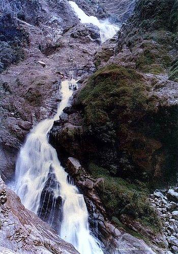 Colombia - Cascada Rio Aures, Sonsòn Antioquia.