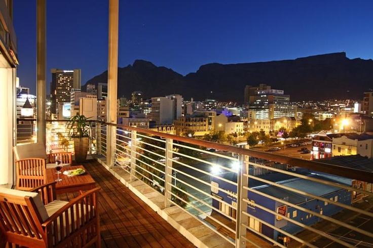 Soho 5   De Waterkant Apartment   Breathtaking views   Capsol   Soho 5 in De Waterkant, Cape Town with Capsol. Apartment with breathtaking views and world renowned apartment block to rent