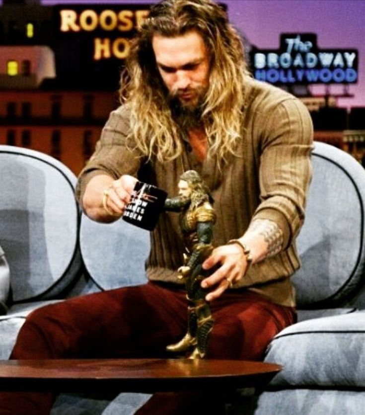 Jason Momoa Pink: Best 25+ Aquaman Actor Ideas On Pinterest