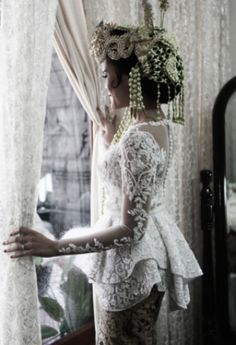 Modern kebaya for sundanese wedding