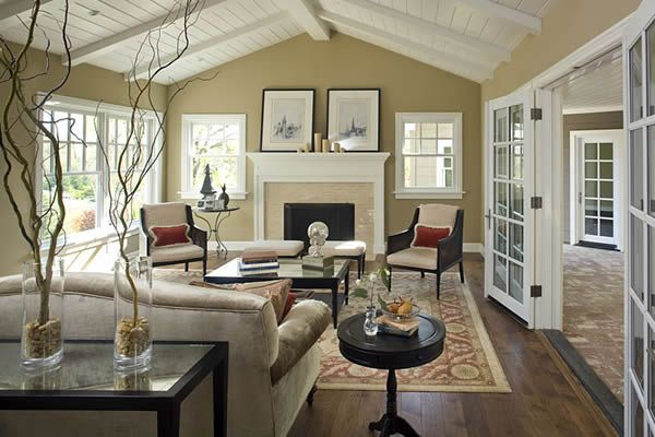 More modern colonial style living room...