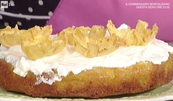 La ricetta della torta all'ananas di oggi 6 marzo 2017 di Natalia Cattellani dalle ricette dolci La prova del cuoco