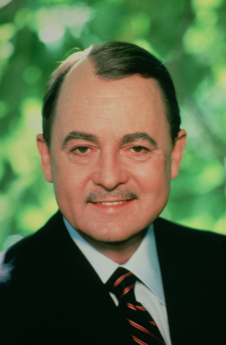 Actor John Hillerman turns 82 today - he was born 12-20 in 1932. He's known best for his role of Jonathan Higgins III on TVs Magnum, PI.