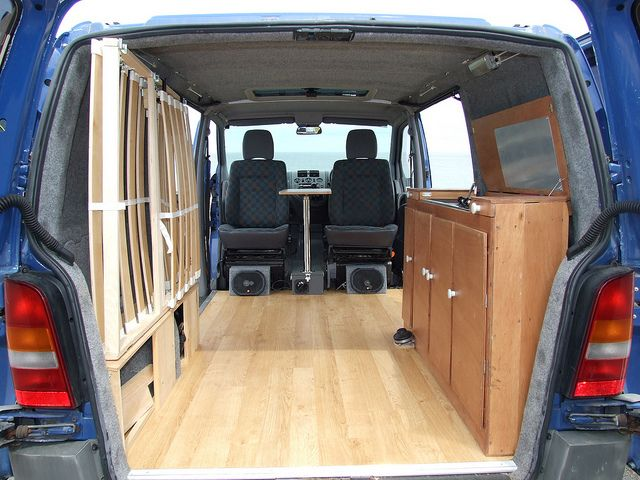17 best ideas about t4 caravelle on pinterest vw for Interieur estafette
