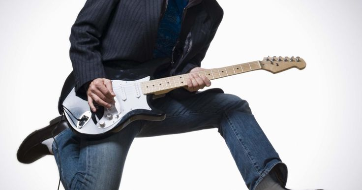 """Como fazer um kill switch para uma guitarra. Um botão """"kill switch"""" em uma guitarra elétrica permite ligar e desligar o sinal que é recebido de captadores. Também é conhecido como um botão transitório e é similar aos botões de pé utilizados em pedais de efeitos em guitarras. A Gibson fez uma guitarra de assinatura para o artista Buckethead que incorpora dois kill switches que silenciam ..."""