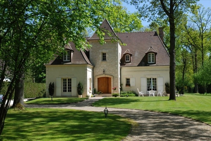 Country house near Paris