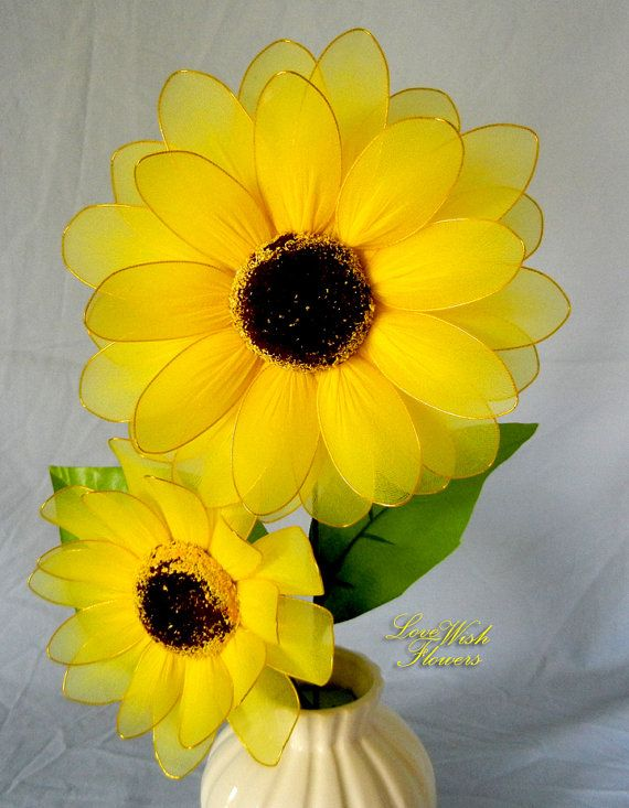 Beautifully artificial yellow sunflowers are very lovely. Handcraft nylon…