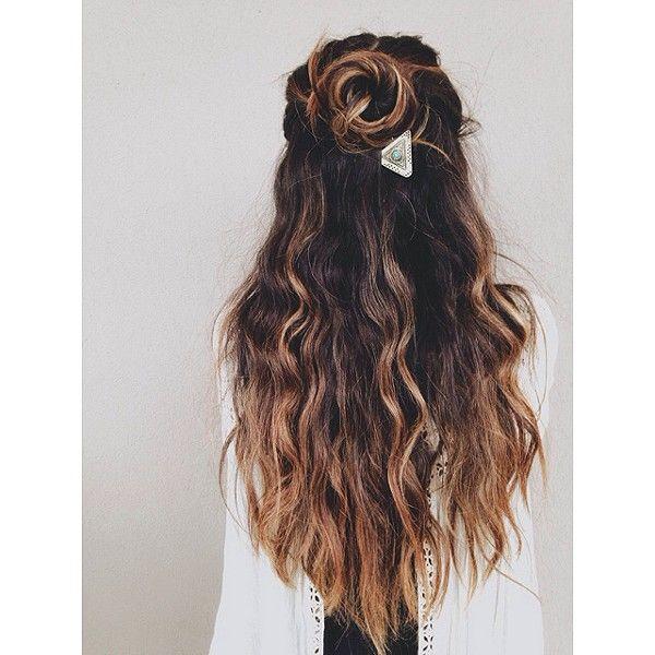 Loose waves, Anthropologie etched hair pin, boho