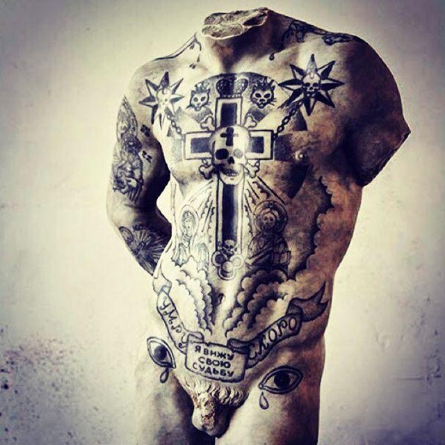 Lovin' this. Classic body art, meets modern body art.  #sculpture #torso #tags #tats #tattoo #tatoos #nudes #nudesculpture #modernsculpture #classicsculpture #renaissance    #Regram via @thefugati)