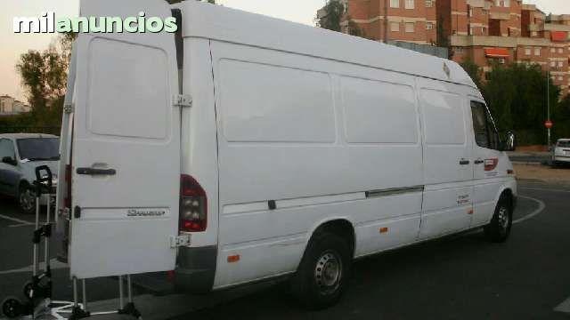 . Realizo portes compartido (grupajes) Malaga-Madrid-Madrid-Malaga con furgoneta grande de 14m3.Desde 50eur.En 7h su mercancia estara en destino.www.portescostel.com