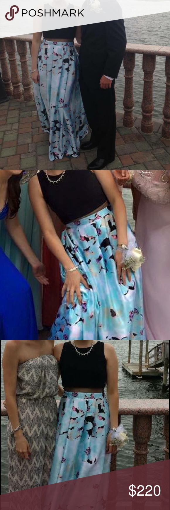Aqua Prom Dress/ Evening Gown Bloomingdales Great Condition, only worn once dress from Bloomingdales Aqua Dresses Prom